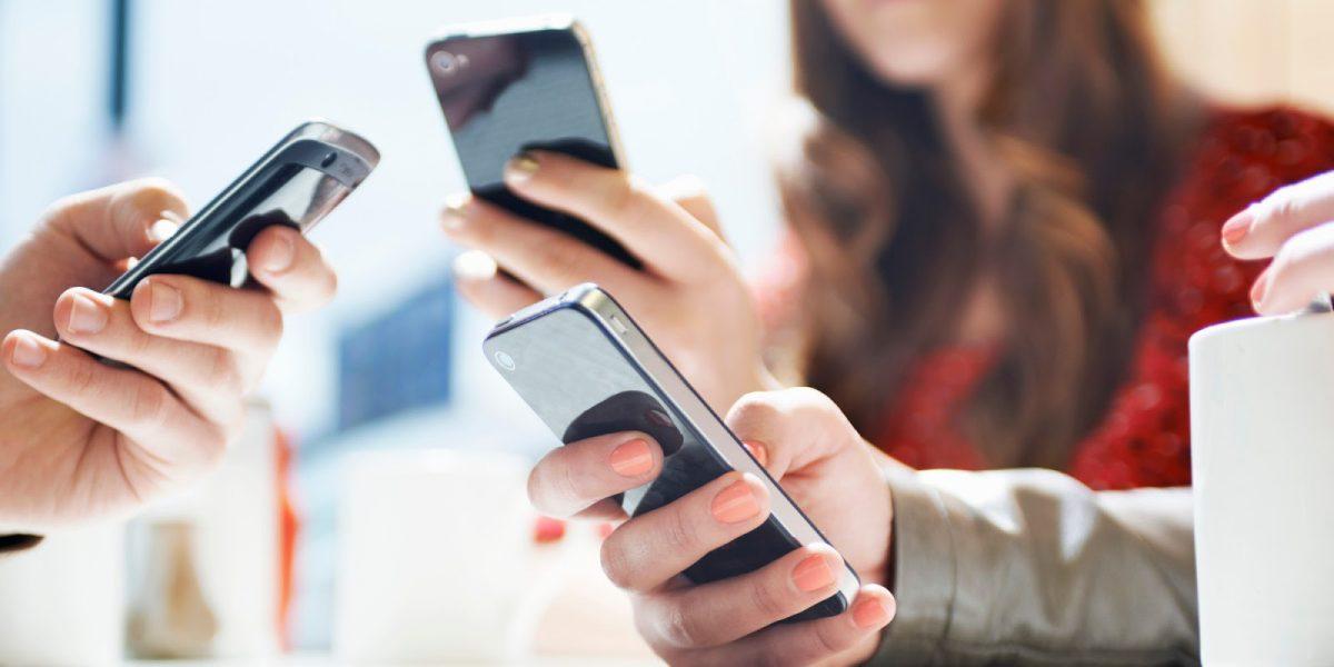 Bahaya Ini Siap Mengintai Bila Berlebihan Menggunakan Smartphone
