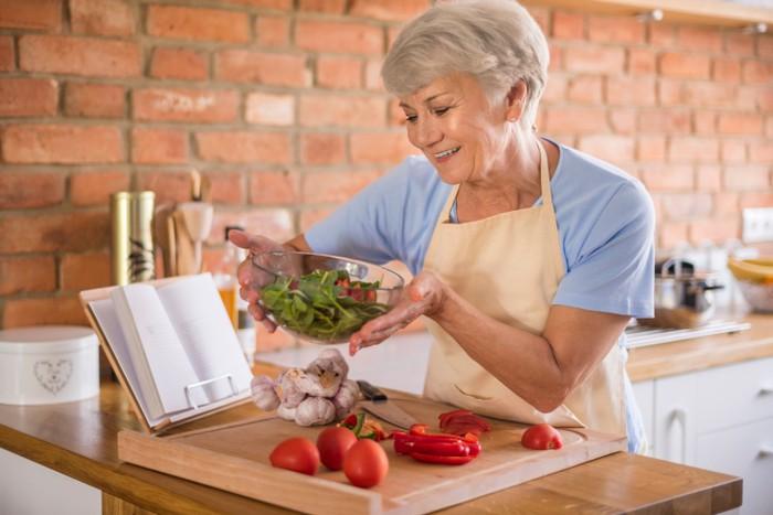 Memasuki Usia 40an, Lengkapi Kebutuhan Nutrisi Ini